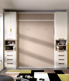 Dormitorio con cama abatible vertical con altillo y armarios a ambos lados Ref YH408