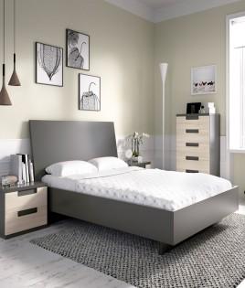 Dormitorio con cama de matrimonio, mesita y xifonier Ref YH615