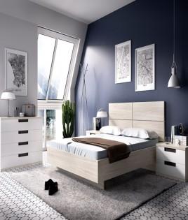 Dormitorio con cama de matrimonio, mesitas y comodín Ref YH616