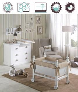 Dormitorio Infantil en acabado Lacado compuesto por minicuna, cómoda y perchero Ref W35