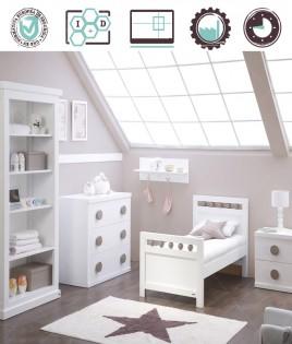 Dormitorio Infantil en acabado Lacado compuesto por cuna convertible, librero, cómoda, mesita y perchero Ref W43