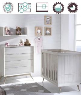 Dormitorio Infantil en acabado Lacado compuesto por cuna, cómoda y estante Ref W48