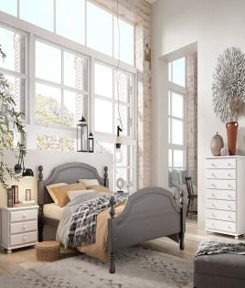 Dormitorio de matrimonio fabricado en madera y acabado lacado compuesto por cama, mesitas y xifonier Ref JI38
