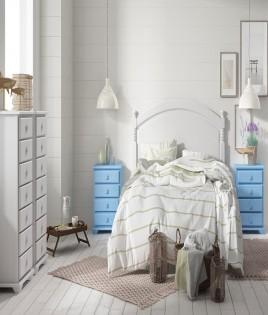 Dormitorio de matrimonio fabricado en madera y acabado lacado compuesto por cabecero, mesitas y xifoniers Ref JI45