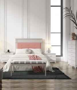 Dormitorio fabricado en madera y acabado lacado compuesto por cabecero tapizado, mesitas, xinfonier y banco Ref JI61